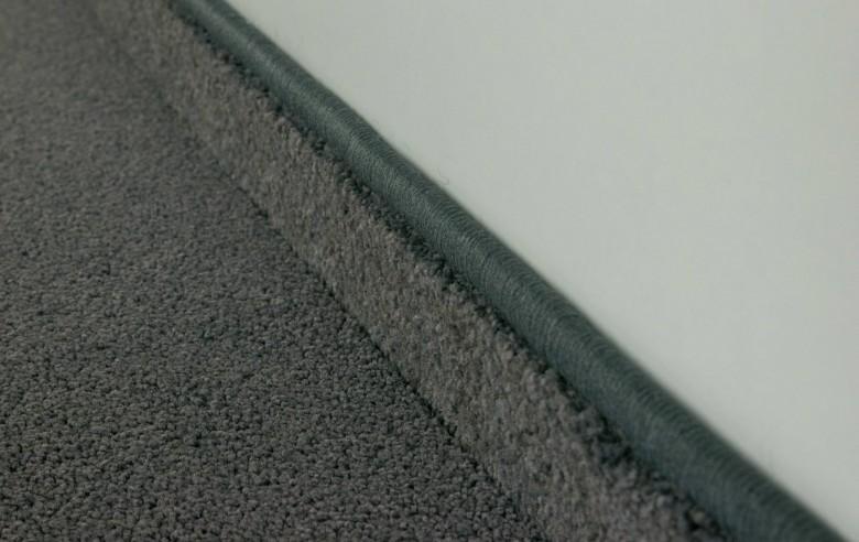 Teppichboden Sockelleiste gekettelt (5,90€/lfm)