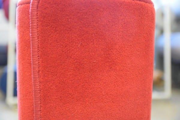 Roter Velours-Teppich 1m x 5m gekettelt