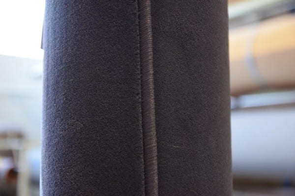 Dunkelgrauer Velours-Teppich 2,9m x 3m gekettelt