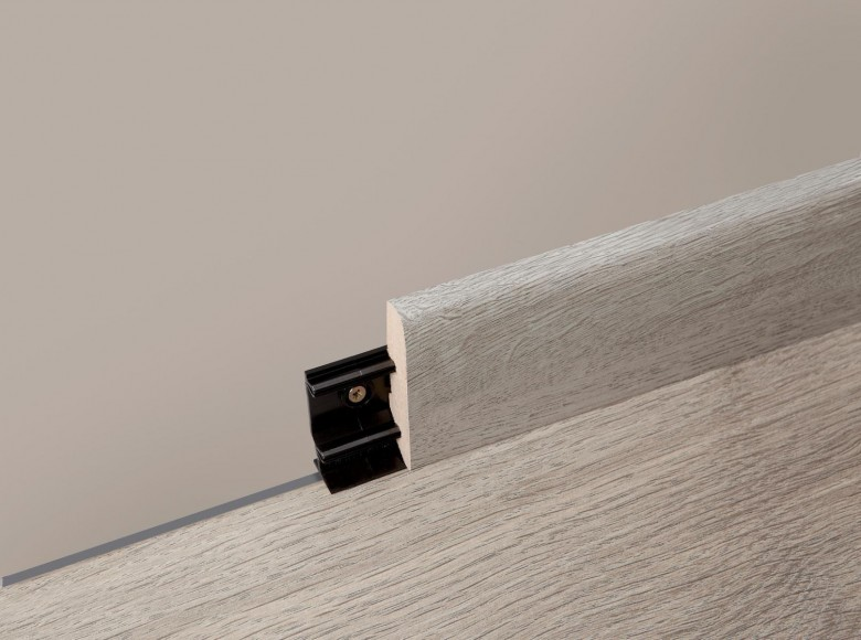 clips f r sockelleisten 60 und 80 mm berry alloc laminat clips f r sockelleisten 60 und 80. Black Bedroom Furniture Sets. Home Design Ideas